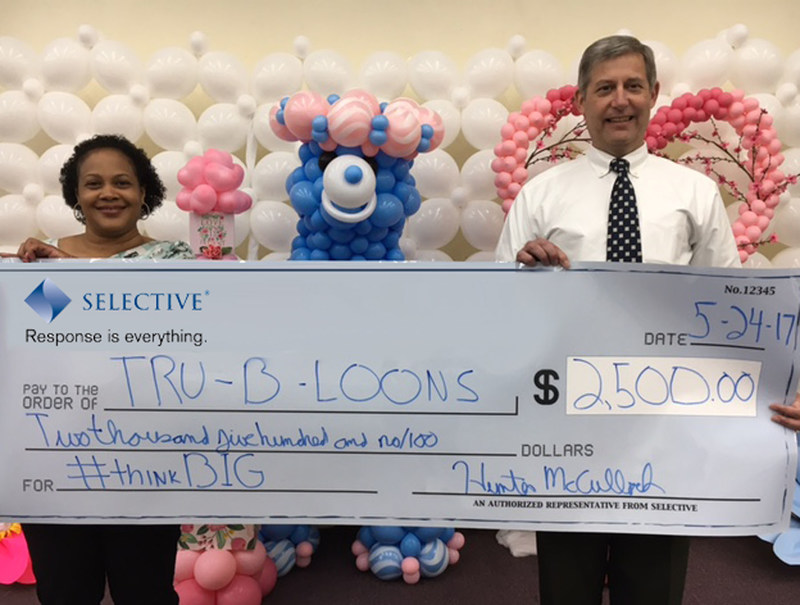 The $2,500 second place prize was awarded to Tru-B-Loons Event and Party Décor of Germantown, MD. Left to right: Carolyn Truby, Founder and President, Tru-B-Loons Event and Party Décor, and Hunter McCulloch, Maryland Territory Manager, Selective.