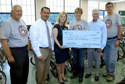 The $1,000 third place prize was awarded to Bike Elf of Townsend, TN. Left to right: Gary Taylor, Director, Bike Elf; Joel Ammons, Producer, Madison Insurance Group, Oak Ridge, TN; Teresa Cates, Tennessee Territory Manager, Selective; Leigh Wilson, Founder, Secretary and Director, Bike Elf; Matt Knox, Small Business Territory Manager, Selective; and Dewayne Wilson, Founder, President and Director, Bike Elf.