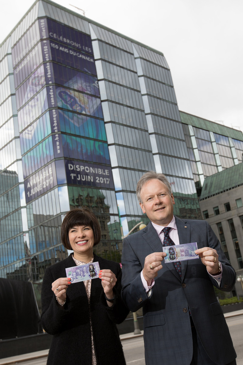 The Canada 150 commemorative bank note is issued into circulation On 1 June 2017, the Bank of Canada issued the $10 commemorative bank note that celebrates the 150th anniversary of Confederation. Pictured here are Stephen S. Poloz, Governor of the Bank of Canada and Ginette Petitpas Taylor, Parliamentary Secretary to the Minister of Finance. To learn more visit: www.bankofcanada.ca/banknote150. (CNW Group/Bank of Canada)