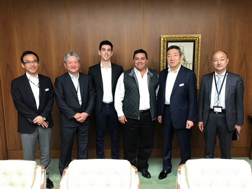 Plug and Play, the world's largest technology accelerator, has partnered with Mitsubishi UFJ Financial Group to open Tokyo's first accelerator. At the signing of the partnership agreement were, from left to right, Takayuki Motoda (BTMU), Saburo Araki (BTMU), Phillip Vincent (Plug and Play Japan), Saeed Amidi (Plug and Play), Minoru Soutome (BTMU), and Hirofumi Aihara (BTMU).
