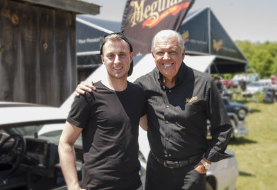 Josh Vandenberk (left), winner of the #MeetBarryContest and Barry Meguiar (right) of Meguiar's talked shop at the Fleetwood Country Cruize-In held in London, Ontario over the weekend. (CNW Group/3M Canada Company)
