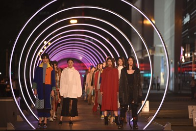 Sino-French brands collaborated to hold a unique New Generation fashion show (PRNewsfoto/Chengdu IFS)