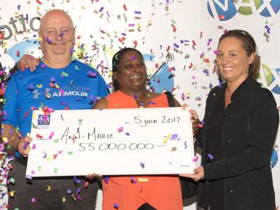 Ian Warcup, Ann-Marie Francis et Isabelle Jean, présidente des opérations loteries et vice-présidente affaires publiques. (Groupe CNW/Loto-Québec)