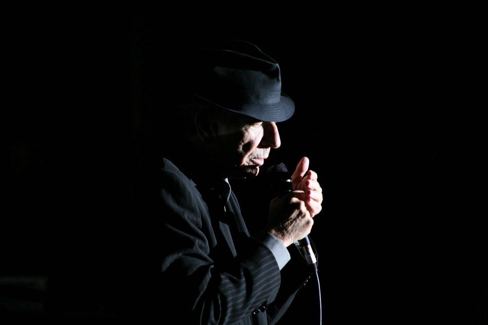 Leonard Cohen – Une brèche en toute chose / A Crack in Everything (CNW Group/Société des célébrations du 375e anniversaire de Montréal)