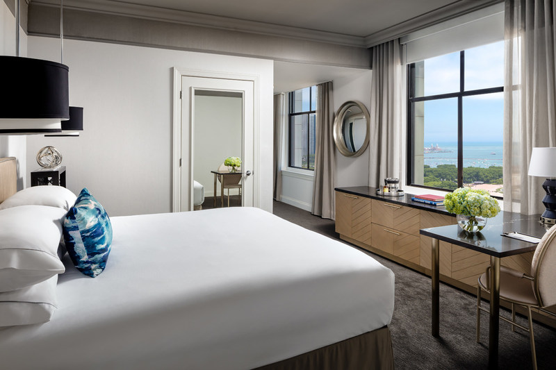 The Blackstone, Autograph Collection's Renovated Lake View King Guest Room