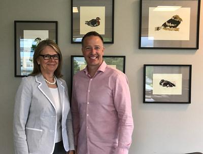 Stephen Fuhr, député de Kelowna - Lake Country, et Deborah Buszard,vice-chancelière adjointe et doyenne, Université de la Colombie-Britannique, campus Okanagan (Groupe CNW/Agriculture et Agroalimentaire Canada)