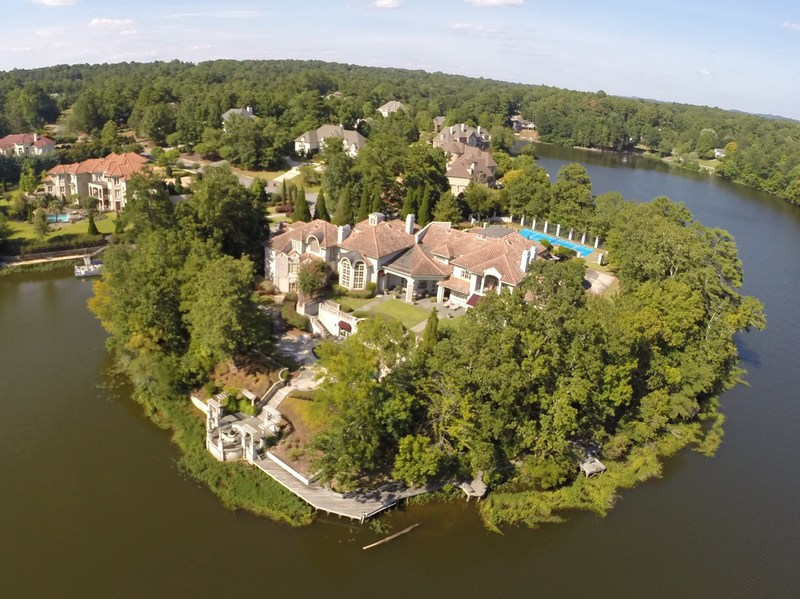 AUCTION: Luxury Lakefront Estate in Hoover, AL Selling at or above $995,000 (recently sold for over $2.1 million) June 22nd at 11:00 a.m.