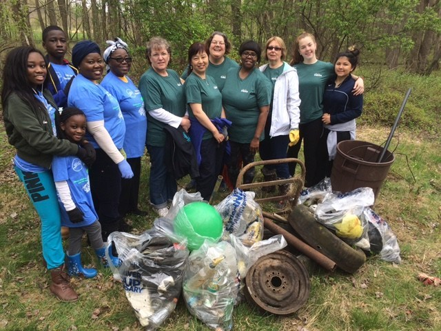 DaVita teammates in Queens, NY participate in an Earth Day Village Service Day.