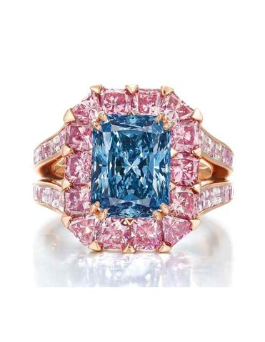 Blue Diamond Ring (CNW Group/Paragon International Wealth Management Inc.)