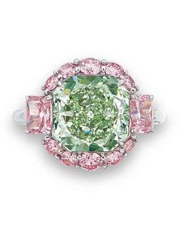 Green Diamond Ring (CNW Group/Paragon International Wealth Management Inc.)