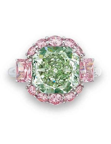 Green Diamond Ring (CNW Group/Paragon International Wealth Management Inc.)