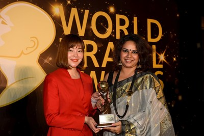 Nidhi Gopal, Senior General Manager, Deccan Odyssey receiving trophy for Asia's Leading Luxury Train at the World Travel Award in China (PRNewsfoto/Deccan Odyssey)