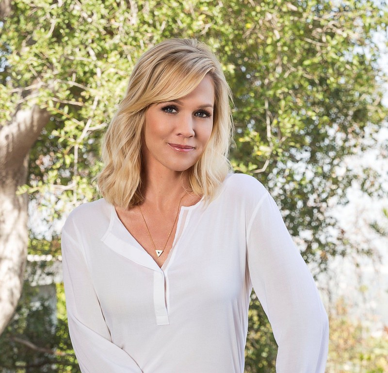 Actress Jennie Garth Joins Go RVing National Campaign