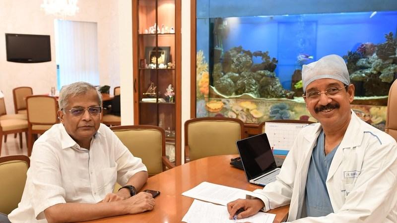 (Right to Left) Dr Ramakanta Panda, vice chairman and cardiovascular thoracic surgeon, Asian Heart Institute, Mumbai with his patient Narain Dalmia (PRNewsfoto/Asian Heart Institute and Resear)