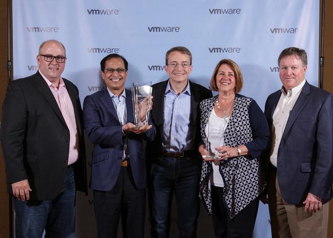 [L-R] Ross Brown, SVP VMware, Max Michaels, GM, IBM Network Services; Pat Gelsinger, CEO VMware; Nancy Breiman, IBM, Dir Alliances; Steve Garza, Global Solution Leader IBM Bluemix infrastructure.