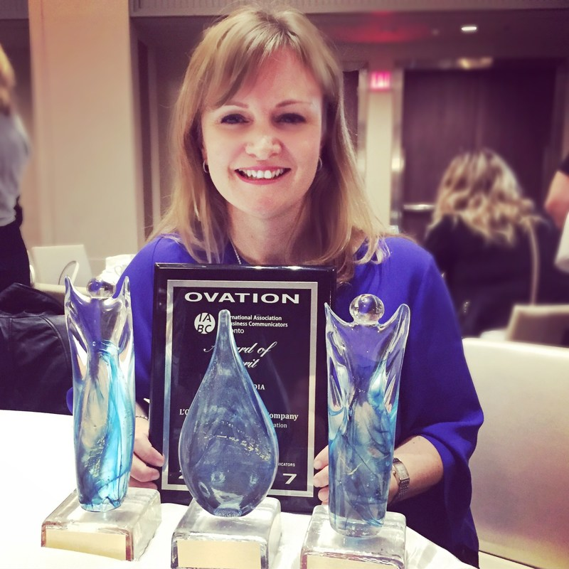 """Cathy Cowan, President of Cowan & Company Communications, celebrates her Toronto-based PR firm's """"2017 Boutique Agency of the Year"""" award as well as IABC/Toronto Ovation awards for client collaborations in media relations, publications and social media. (CNW Group/Cowan & Company Communications Inc.)"""