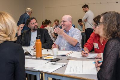 Sommet culture Laval: Des participants du sommet échangent sur différentes thématiques. (Groupe CNW/Ville de Laval)