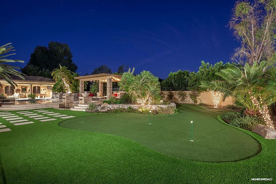 Arizona Luxury Lawns and Greens artificial grass installation in Paradise Valley, AZ.