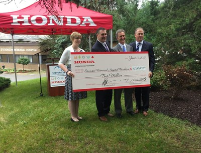 (right to left): Dave Jamieson (chair) and Bill Easdale (vice chair) present a cheque from the Honda Canada Foundation for $4 million to Dr. Jody Levac, President and CEO, Stevenson Memorial Hospital, and Tanya Wall, Executive Director, Stevenson Memorial Hospital Foundation, for the redevelopment and revitalization of the local community hospital. (CNW Group/Honda Canada Inc.)