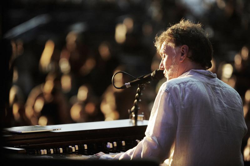 Steve Winwood. Photo credit Maryhill Winery and Steve Winwood.