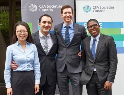 De gauche à droite : Weixuan Xue, Adam Prokop, Carter Smith, Lekan Akindele (Groupe CNW/CFA Societies Canada)