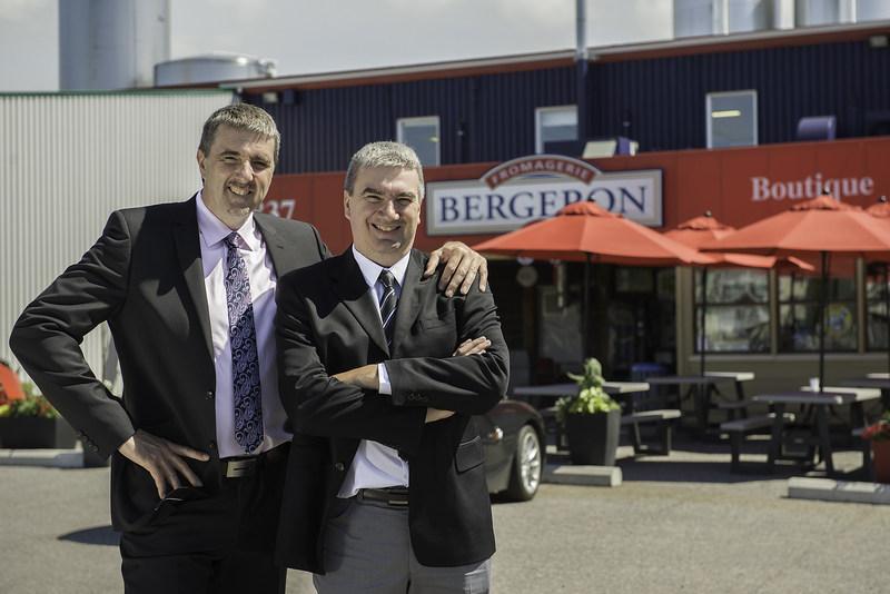 Roger Bergeron et Mario Bergeron, propriétaires de la Fromagerie Bergeron (Groupe CNW/Fromagerie Bergeron inc.)