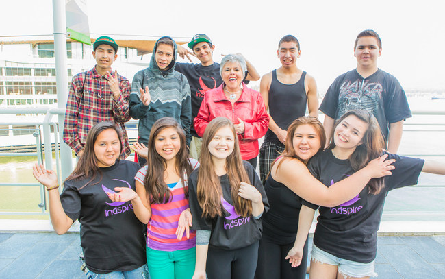 Roberta L. Jamieson, O.C., I.P.C., LL.B., LL.D. (Hon), President and CEO of Indspire, pictured with Indigenous youth. (CNW Group/Indspire)