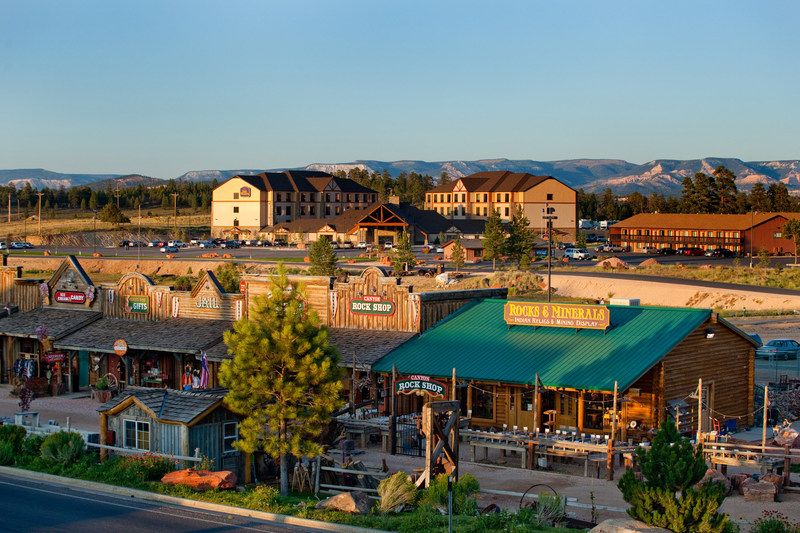 Ruby's Inn, situated just outside Bryce Canyon National Park, uses Dollar Donation Program to raise money for Bryce Canyon National History Association. The program has helped raise over $700,000 since its inception in 2004.