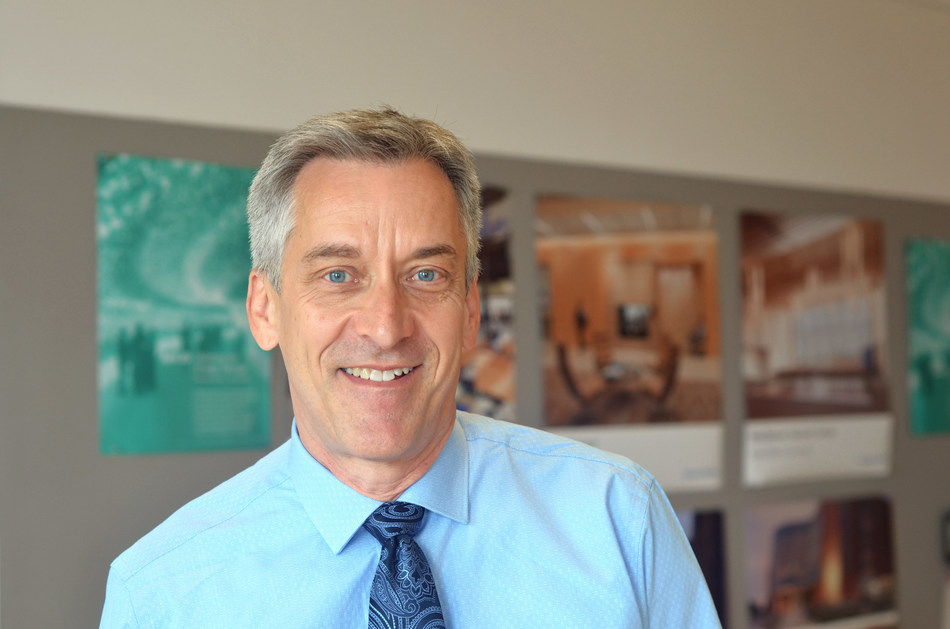 Shepley Bulfinch, a national architecture firm known for design excellence and innovation with offices in Boston, Houston and Phoenix, announced today that Robert (Bob) Simmons, AIA, LEED AP has joined the firm as a Principal. A dynamic leader in campus life design throughout the nation, Bob has been central to the design of over a million square feet of campus life projects.