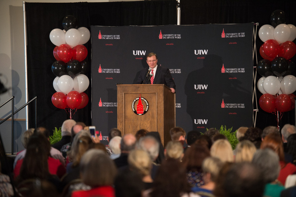 The University of the Incarnate Word in San Antonio, Texas, welcomed Dr. Thomas Evans as its 10th president at a press conference held this week.