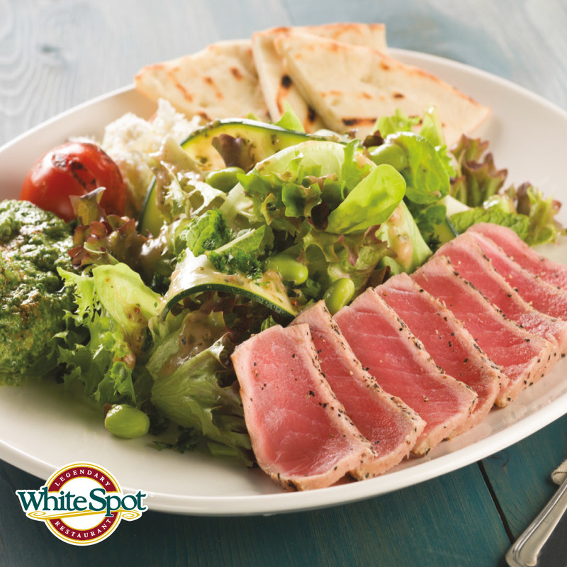 Seared Ahi Tuna Salad (CNW Group/White Spot Restaurant)