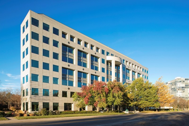 Amstar Closes on The Citadel, Cherry Creek Acquisition