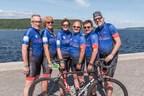 Sur la photo : Harold Sylvain, Sophie Lauzon, Linda Gagnon, le capitaine Pierre Dumais, Gervais Rioux et Patrice St-Pierre. (Groupe CNW/FADOQ)