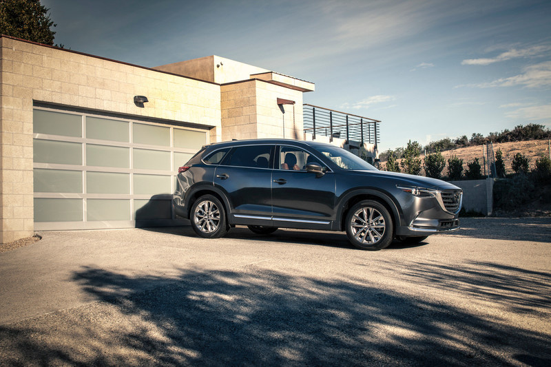 2017 Mazda CX-9 Earns IIHS Top Safety Pick+ Rating (CNW Group/Mazda Canada Inc.)