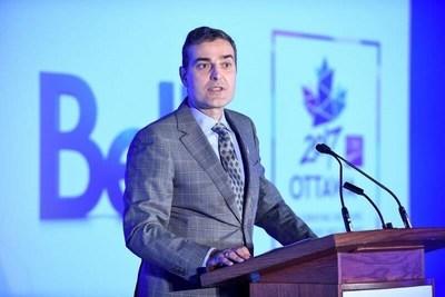 Mirko Bibic, chef des affaires juridiques et réglementaires et vice-président exécutif au développement de l'entreprise pour BCE Inc. et Bell Canada (Groupe CNW/Bell Canada)