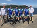 L'équipe de cycliste de Point S Canada; Carl Savard, André Brodeur, Gabriel Morier, Marc Arsenault, Pierre Beauregard et Dany Beaulieu (Groupe CNW/Point S)
