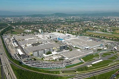 BMW 530e to be built at Magna's facility in Graz, Austria (CNW Group/Magna International of America Inc.)