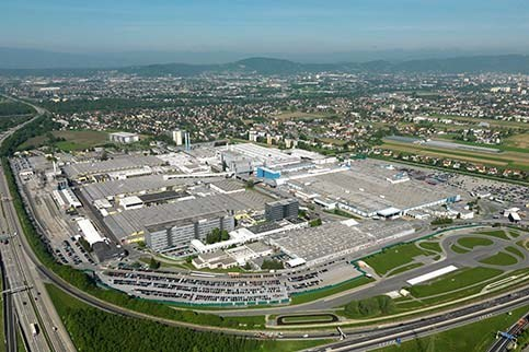 BMW 530e to be built at Magna's facility in Graz, Austria (CNW Group/Magna International of America Inc.)