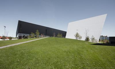Complexe Sportif de St-Laurent (Groupe CNW/Ville de Montréal - Arrondissement de Saint-Laurent)
