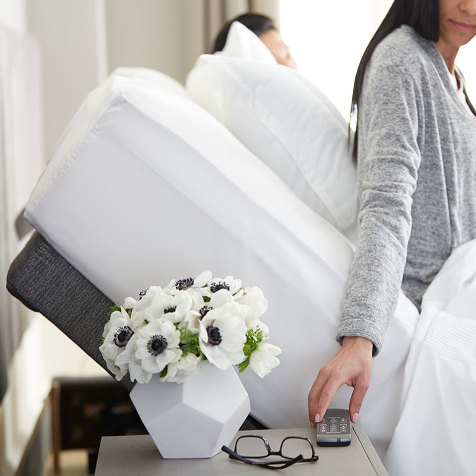 The Lineal complements the Saatva family of brands, including the Saatva innerspring, the Loom & Leaf memory foam mattress, the 100% natural latex Zenhaven mattress and is compatible with any mattress that fits an adjustable base.