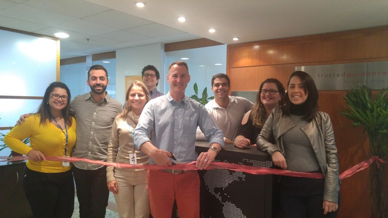 The Cartus Brazil team at the ribbon cutting and official opening of Cartus' new office. Pictured, left to right: Juliana Lazaro, Caê Fernandes, Priscila Damasceno, Danyel Andre, David Pascoe, Caio Leal, Aline Sodré and Juliana Daneu.