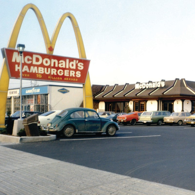 First-ever McDonald's® in Canada celebrates re-opening with original Golden Arches™ (CNW Group/McDonald's Canada)