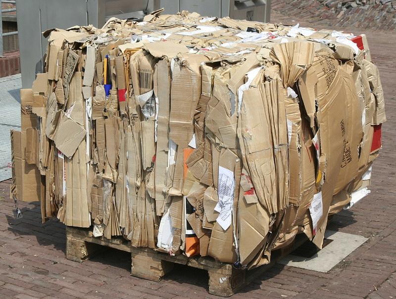 Corrugated cardboard bale (CNW Group/Canada Fibers Ltd.)
