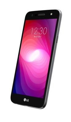 Le LG X power(MC) 2 est un téléphone de masse ciblant les utilisateurs exigeants qui sondent le marché en quête d'un appareil à prix compétitif muni d'un grand écran, de caractéristiques avancées pour l'appareil photo et d'une pile de longue durée. (Groupe CNW/LG Electronics Canada)