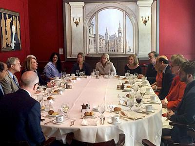 Images lors du déjeuner en présence des membres conseil d'administration de la Foreign Policy Association et la ministre Christine St-Pierre (Groupe CNW/Cabinet de la ministre des Relations internationales et de la Francophonie)