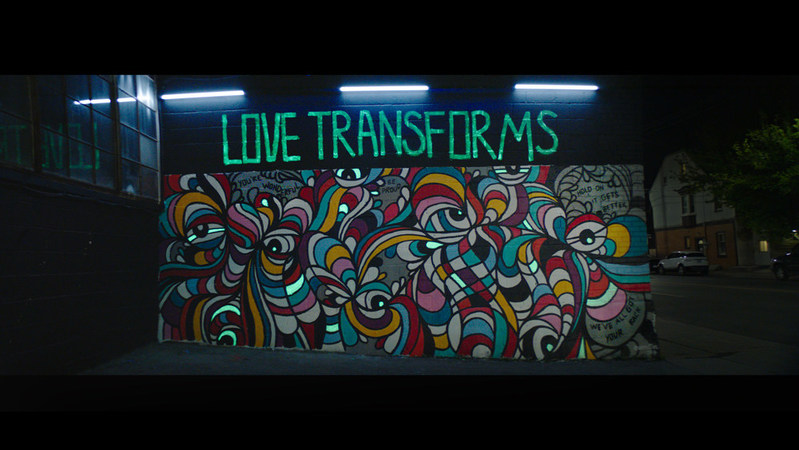 """As it kicks off a new partnership with Pride Toronto, Mercedes-Benz Canada is using the transformative power of art to show its support for the LGBTQ2 Community. A new mural in Toronto sends a message of love and inclusivity, while a corresponding digital campaign takes a stand against abuse and hate speech. Toronto artist Thomarya """"Tee"""" Fergus created the mural, which was inspired by conversations with people from the LGBTQ2 community who have experienced hate speech, bullying and discrimination. Fergus hopes the mural will inspire a sense of possibility, change, and excitement. (CNW Group/Mercedes-Benz Canada Inc.)"""