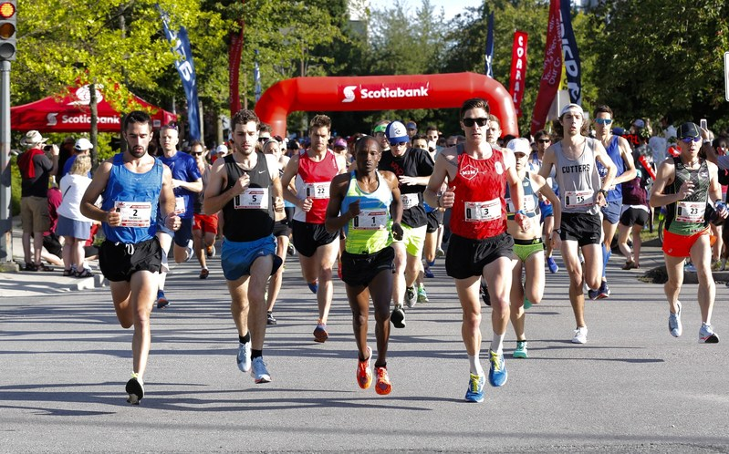 Over 6,700 runners participated in the Scotiabank Vancouver Half-Marathon & 5k, raising $970,000 and counting for 76 local charities through the Scotiabank Charity Challenge. Photo by Inge Johnson of Canada Running Series. (CNW Group/Scotiabank)