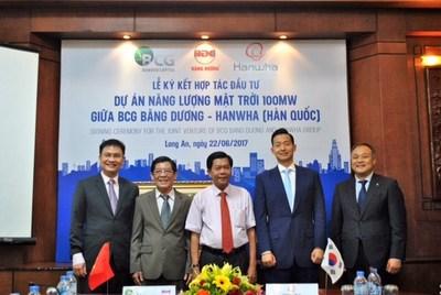 BCG Bang Duong联合体与韩国韩华集团在隆安签署投资合作协议