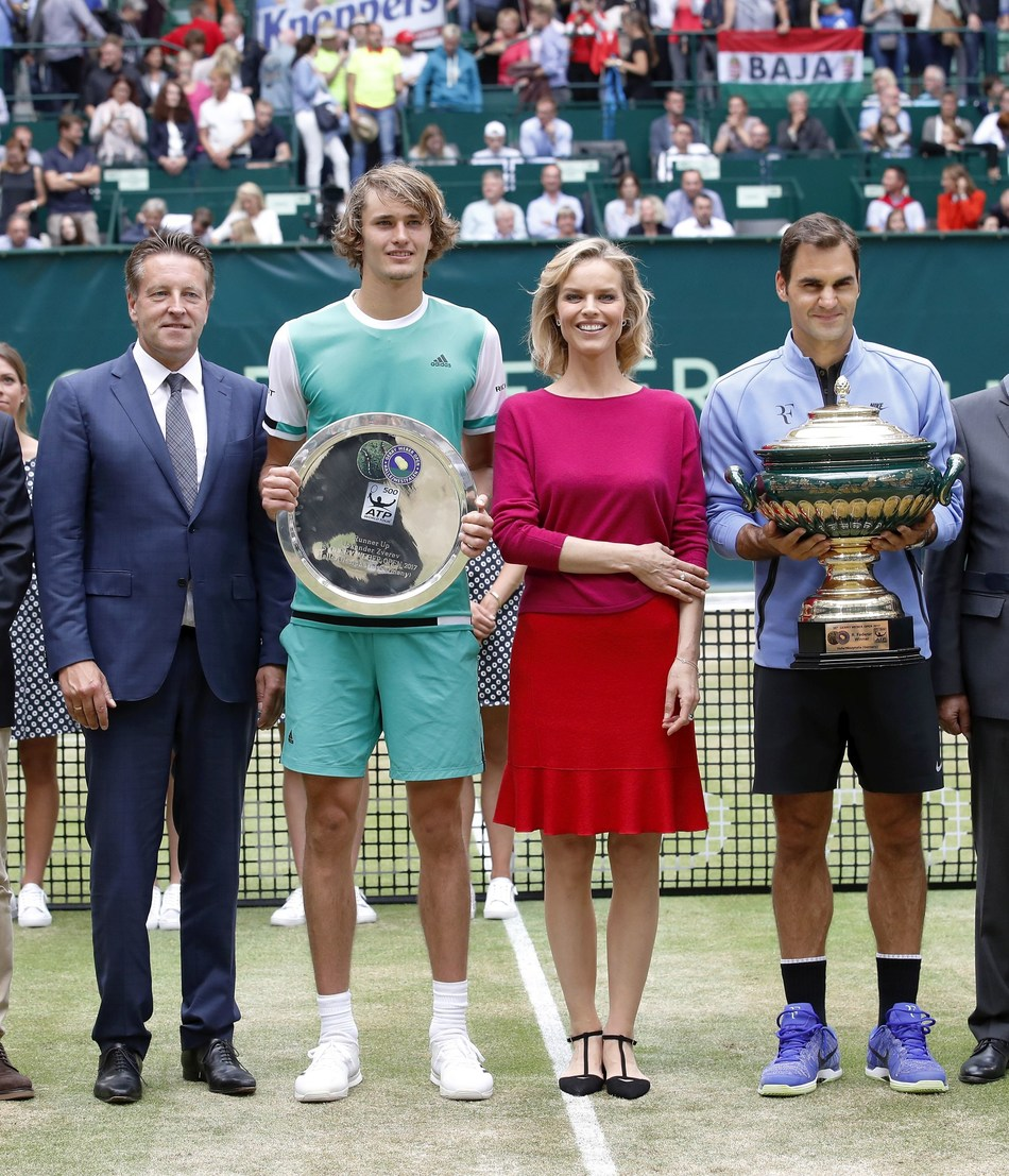 Eva Herzigová at the trophy handover to the winner of the 25th GERRY WEBER OPEN, on 25 June, 2017 in Halle/Westfalen. (PRNewsfoto/GERRY WEBER)