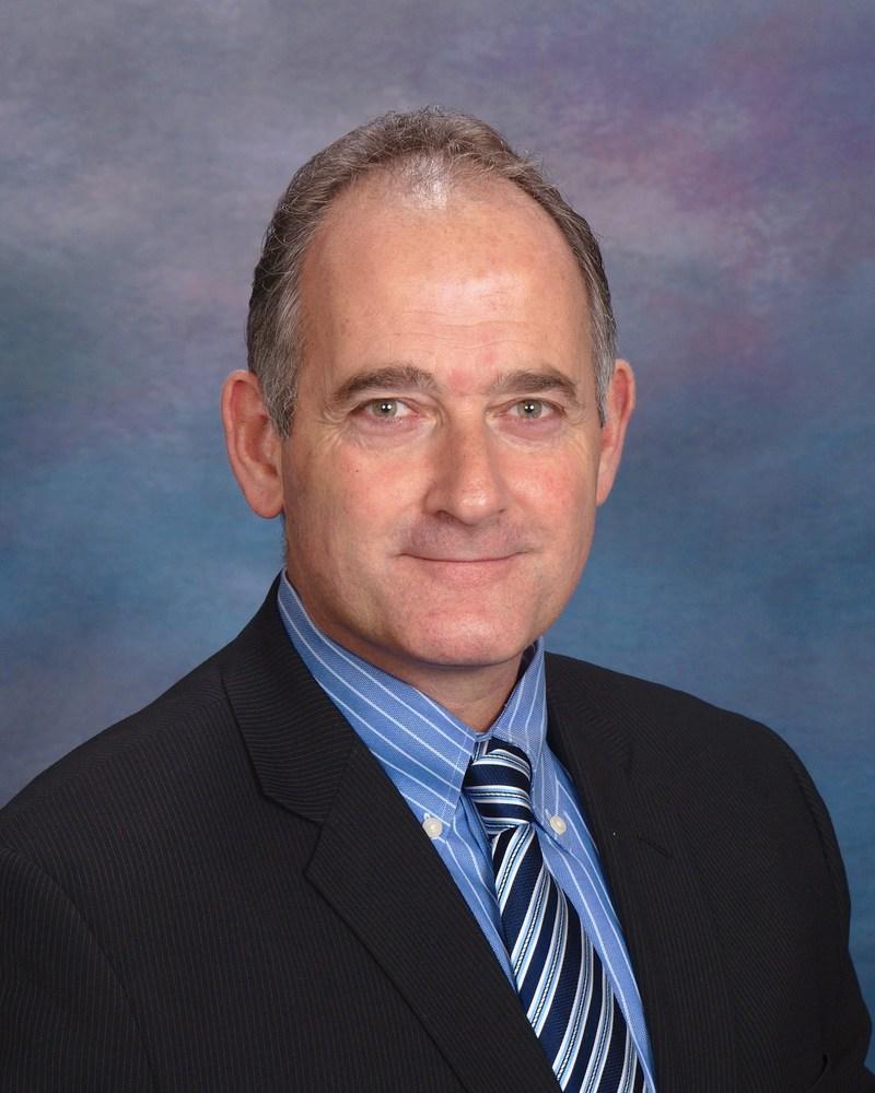 Dr. Nicolas Loebel